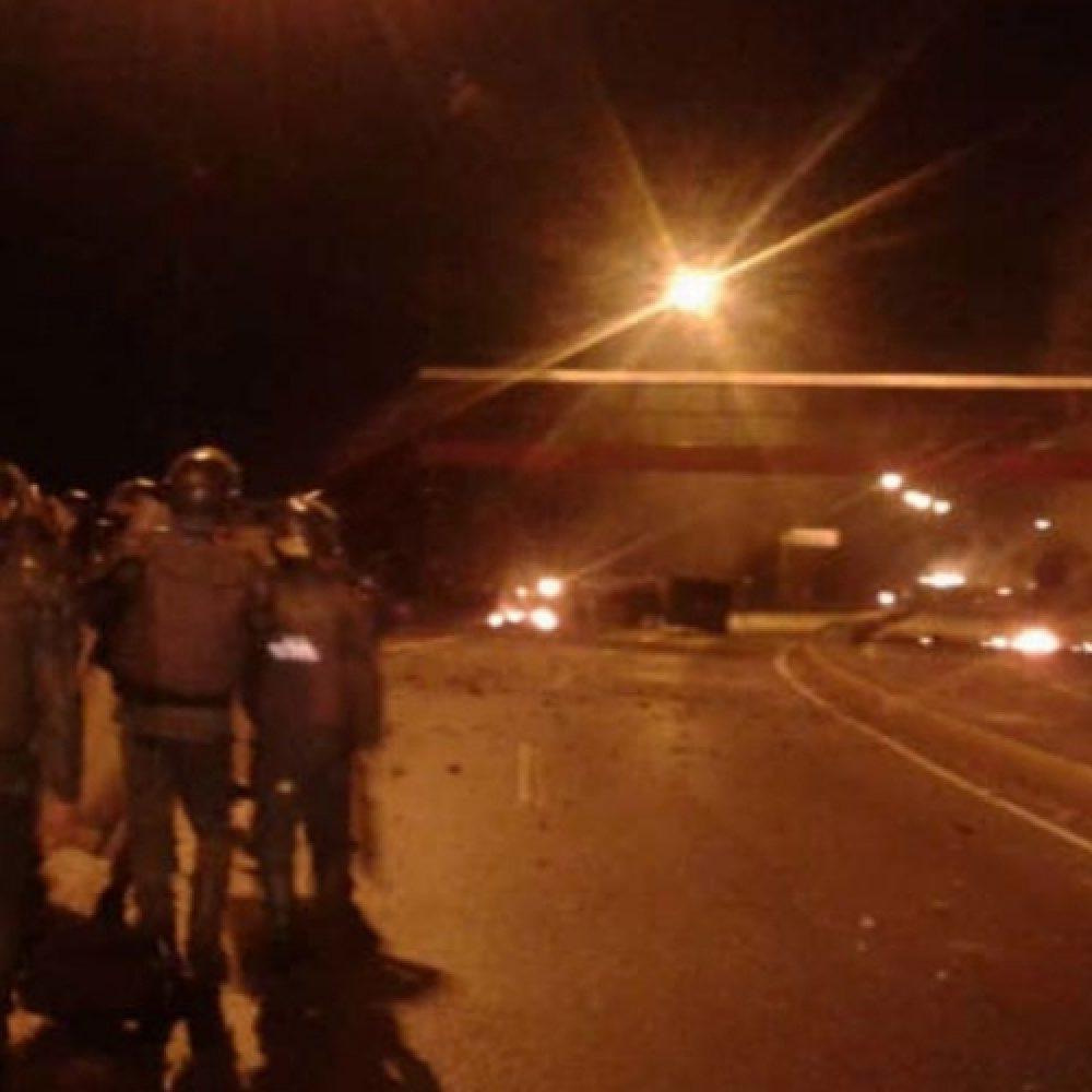 Denunciaron fuertes protestas en varios barrios de Caracas pidiendo la salida del poder  de Nicolás Maduro