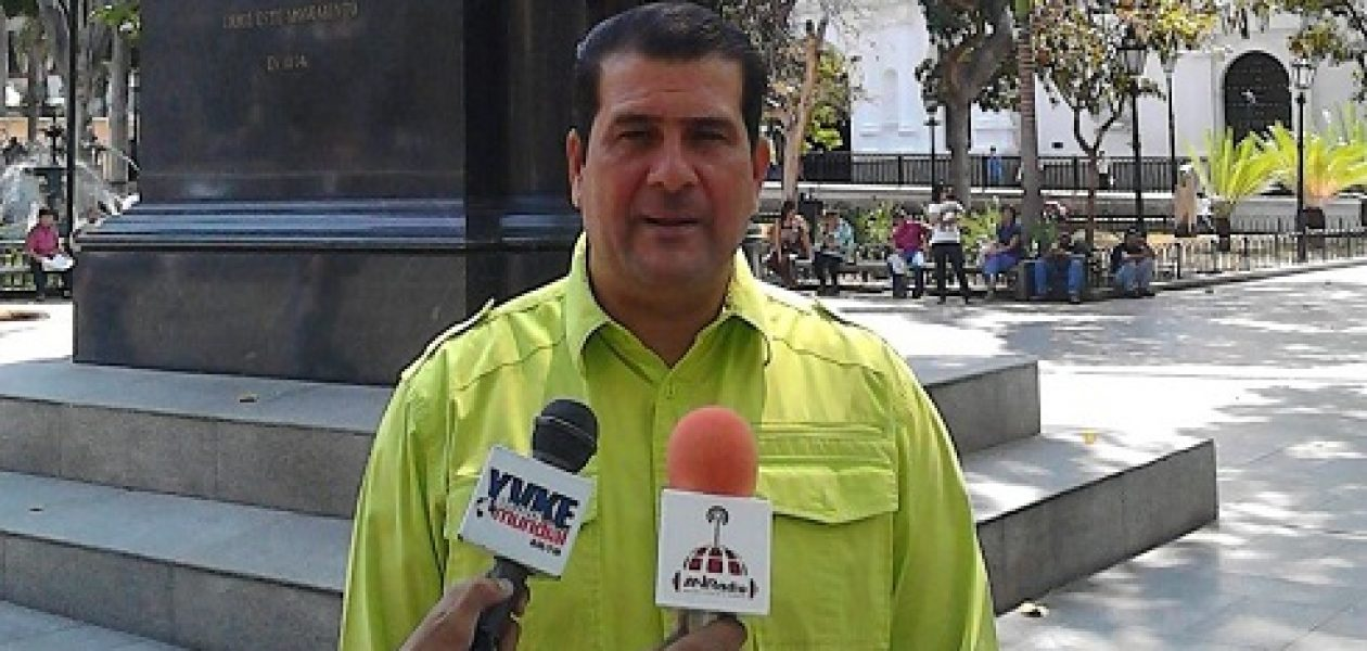 Chavistas piden la renuncia de Nicolás Maduro