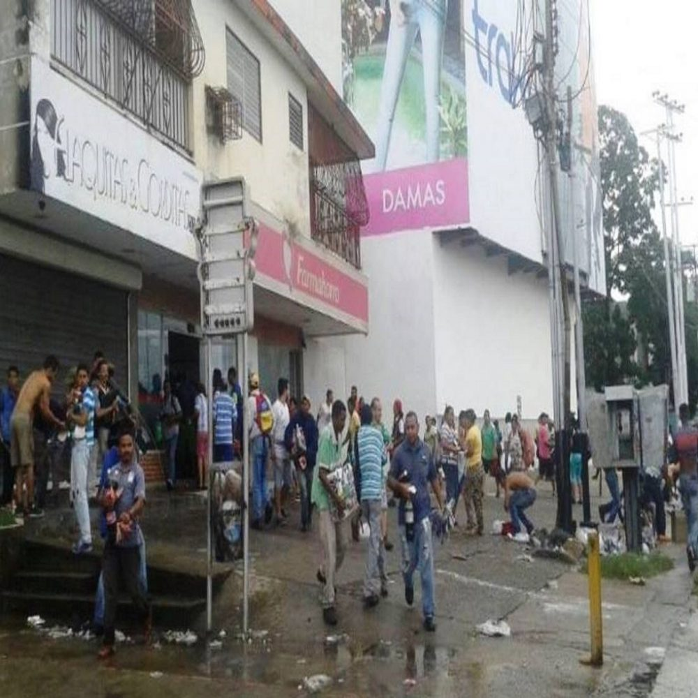 Billetes de 100 en vigencia después de los saqueos en Ciudad Bolívar