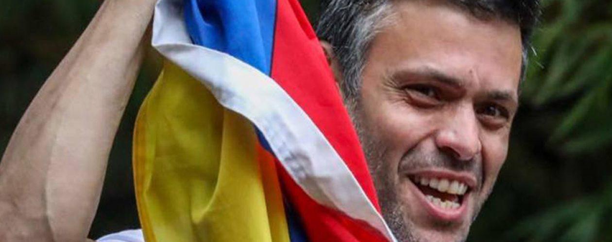 Violan las órdenes judiciales al irrumpir en vivienda de Lopez