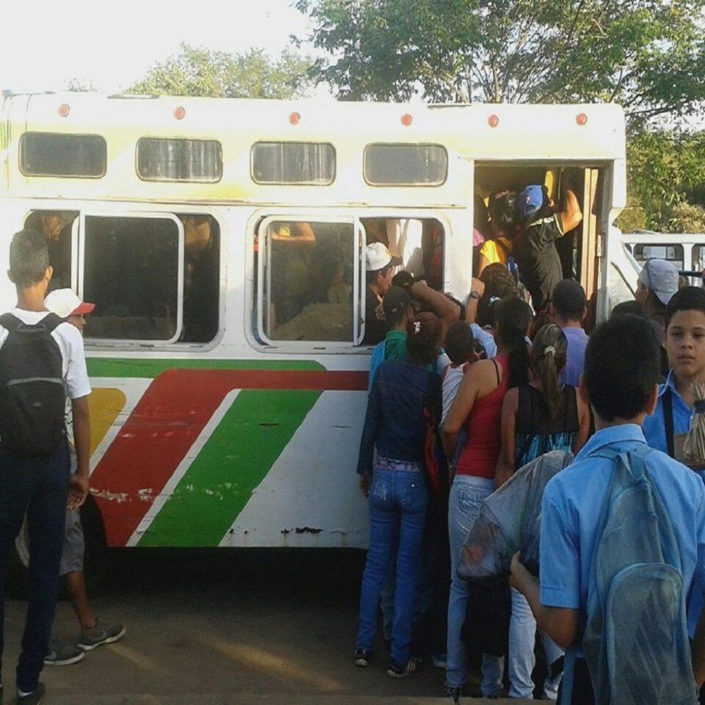Caos del transporte público limita movilización de ciudadanos