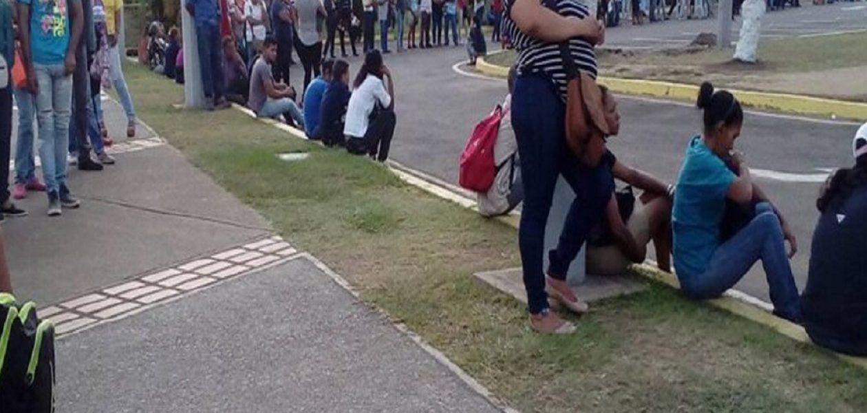 Así es el martirio del transporte público en Guayana