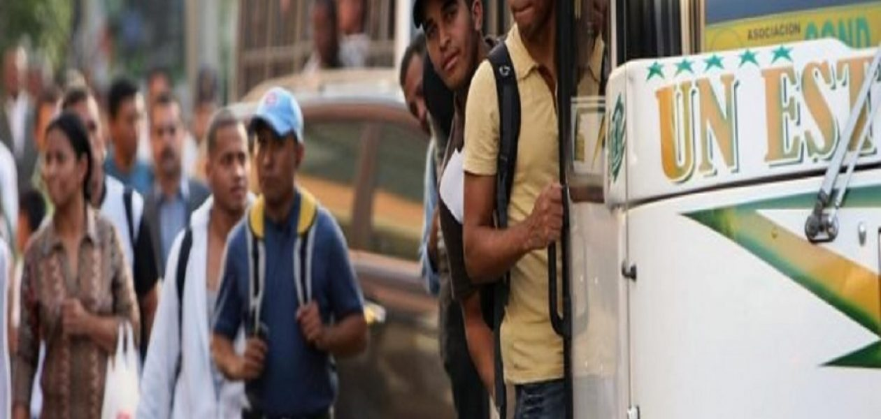 Caraqueños enfrentan un aumento del pasaje «ilegal»