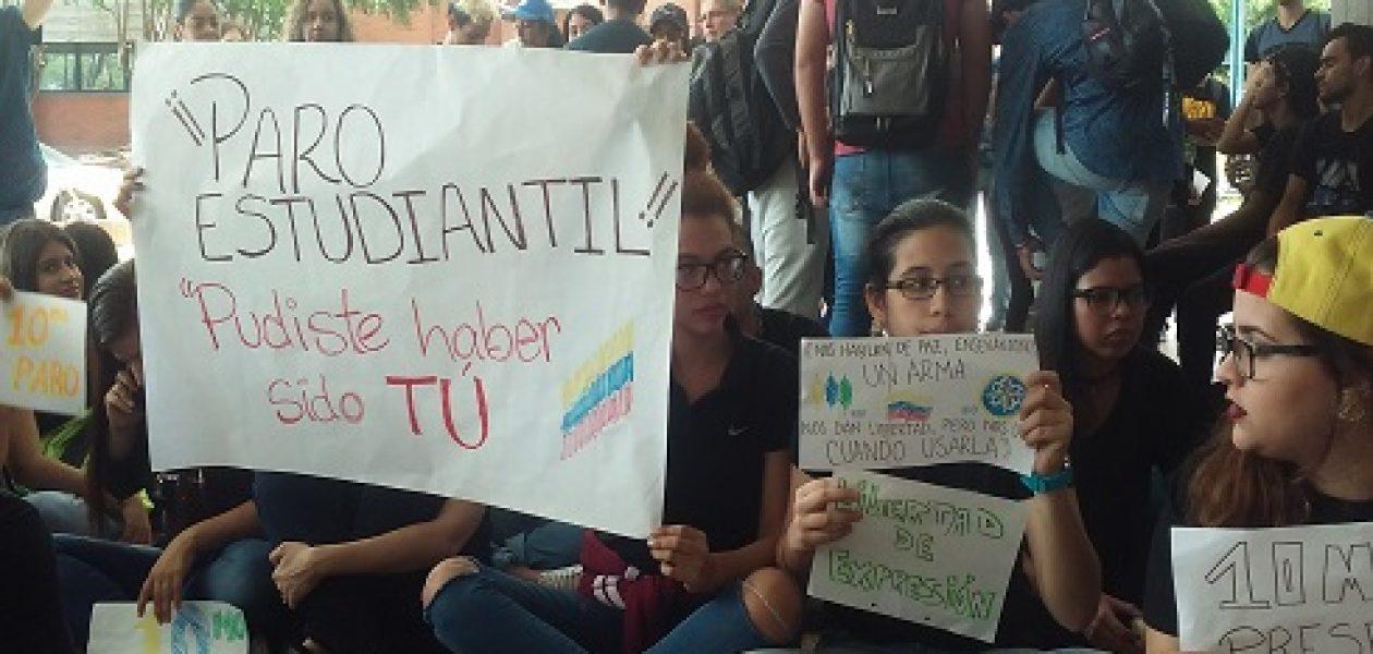 Rinden homenaje a estudiante de la UDO Bolívar asesinado por la PEB