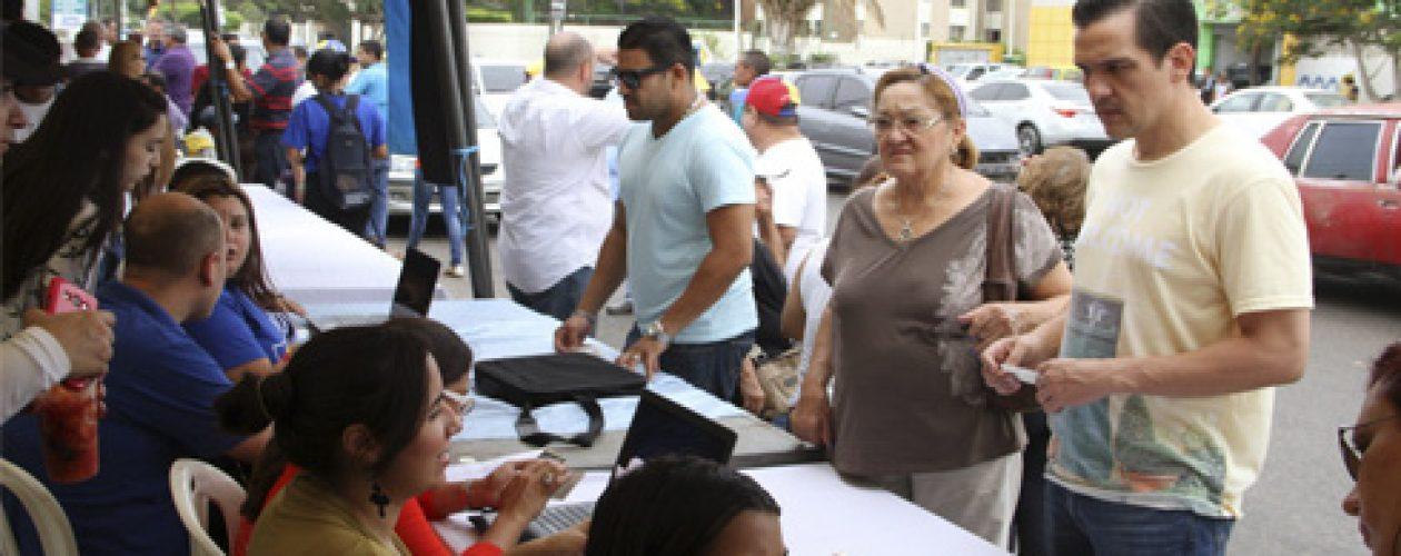 Validación de firmas en ZULIA : Denuncian jugarreta del CNE en el Zulia