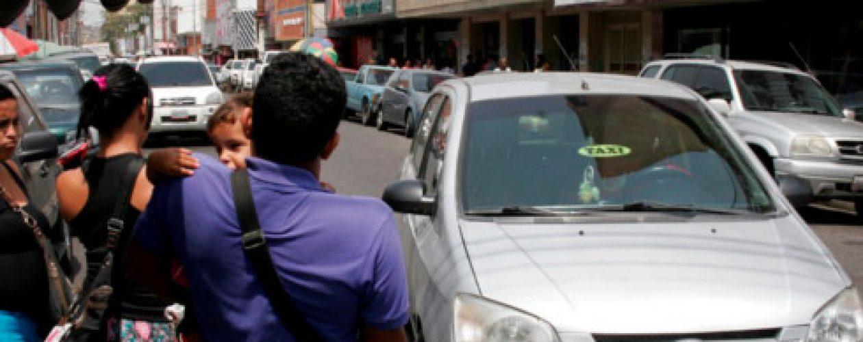 Profesionales venezolanos se meten a taxistas para salvarse de la crisis