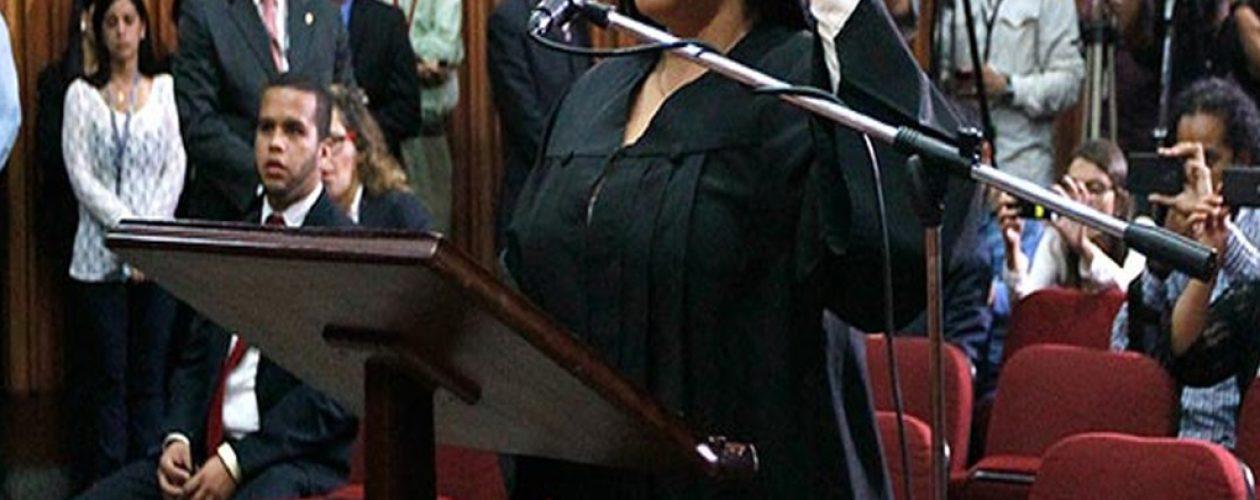 Fiscales iberoamericanos desconocieron a Katherine Harrington