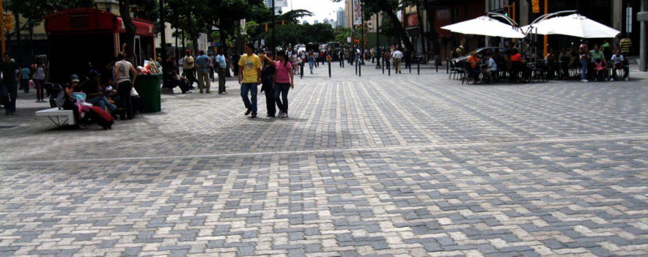 ¿Madres venezolanas podrán celebrar su día? Altos precios hacen lo posible para impedirlo