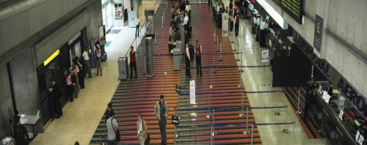 Escasez de vuelos en Venezuela complica viajes dentro y fuera del país