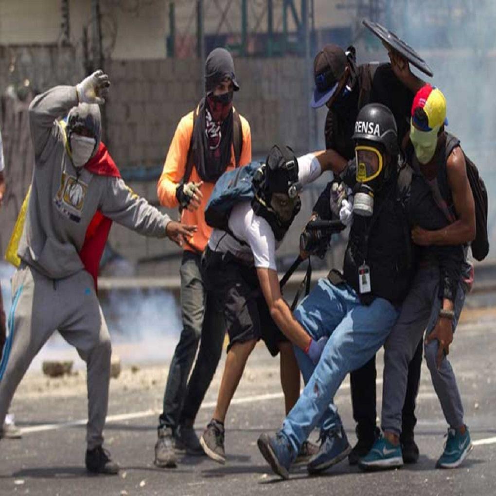 Día del periodista en Venezuela: profesión más agredida en 2017