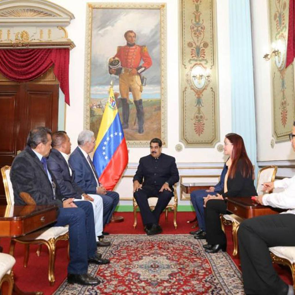 Gobernadores de AD y Maduro sostuvieron reunión en Miraflores