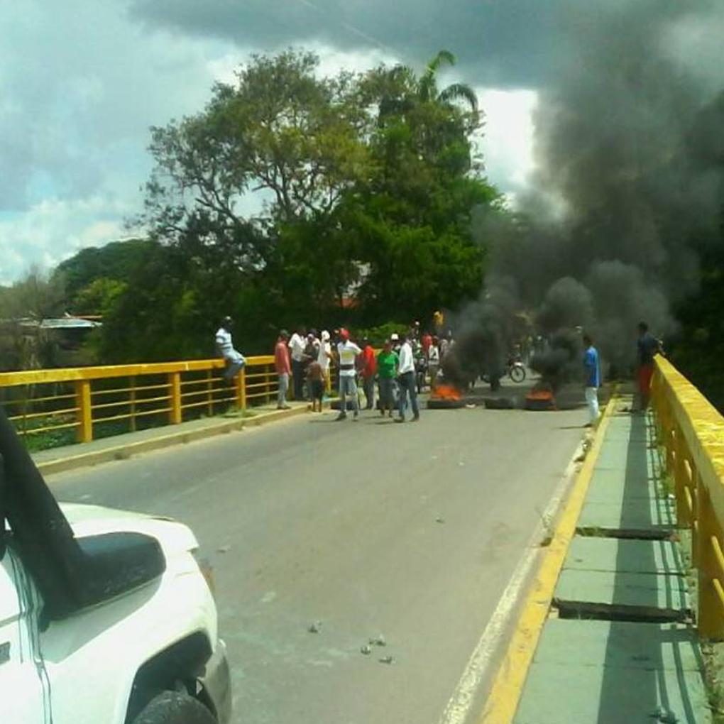 José Gregorio Montilla fue agredido por grupos chavistas en Apure