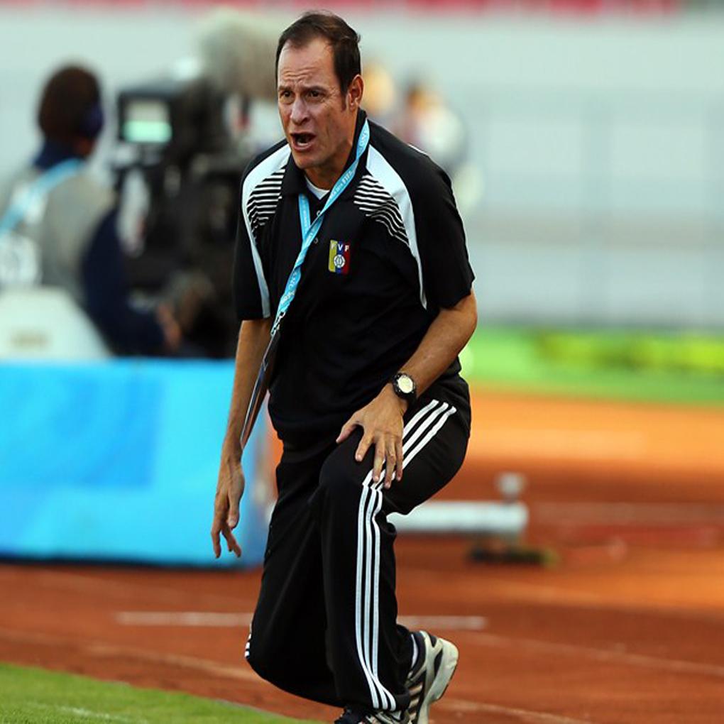 Kenneth Zseremeta destituido como técnico de Vinotinto femenina Sub-20