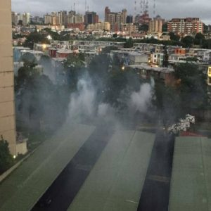 Represión militar durante paro cívico activo en Guayana
