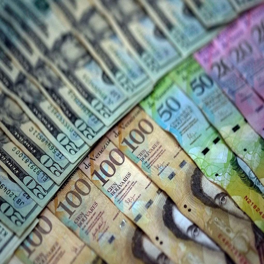 Precio del dólar e hiperinflación causa el caos económico en Venezuela