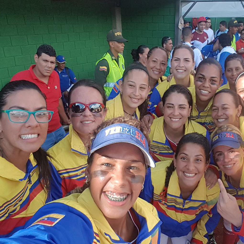 Selección venezolana de softbol femenino gana oro Juegos Bolivarianos