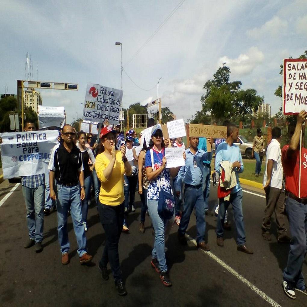 Trabajadores de Corpoelec sin seguro médico por deudas con clínicas